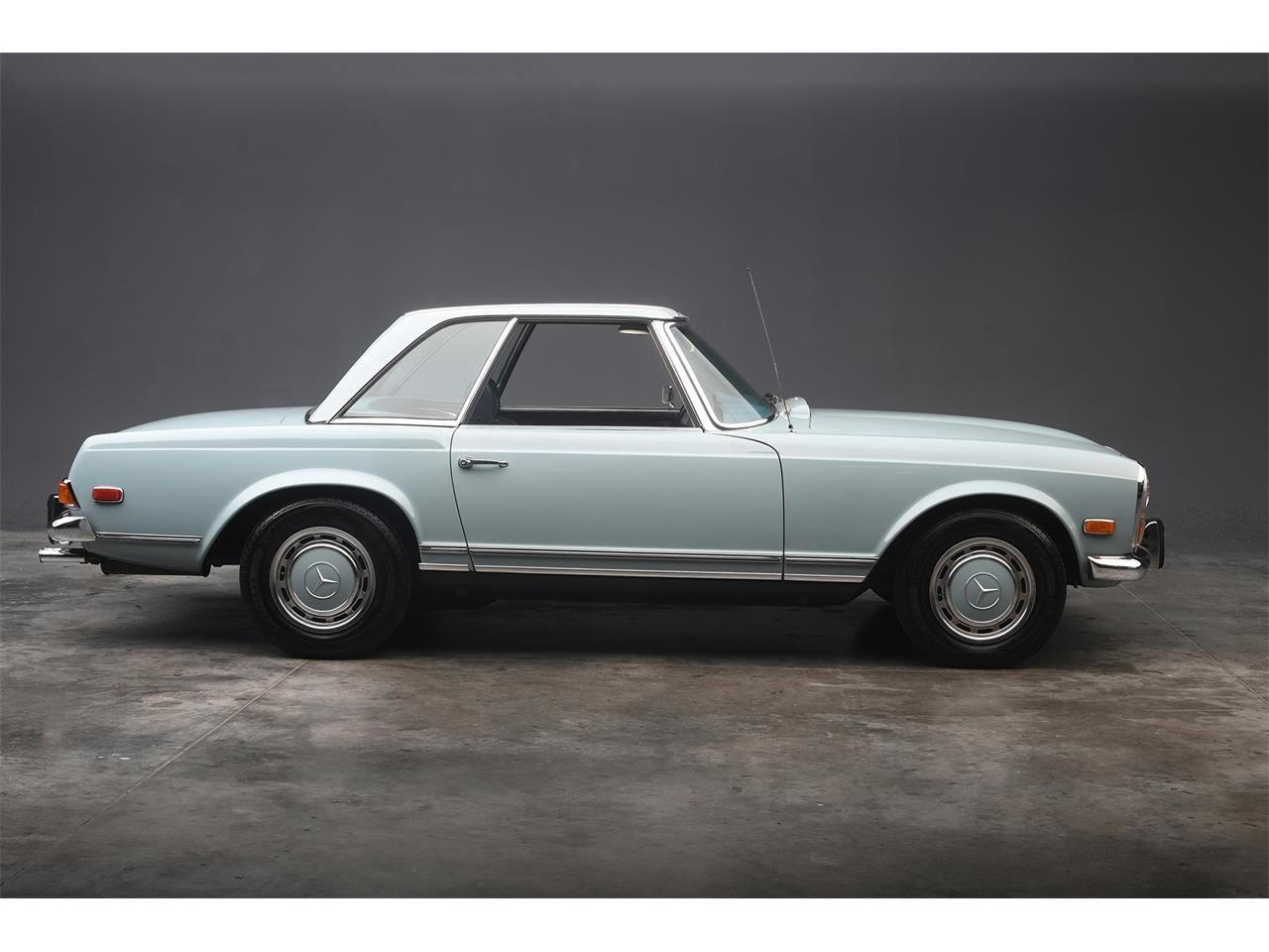 Large Picture of Classic 1970 Mercedes-Benz 280SL located in West Palm Beach Florida - PKH5