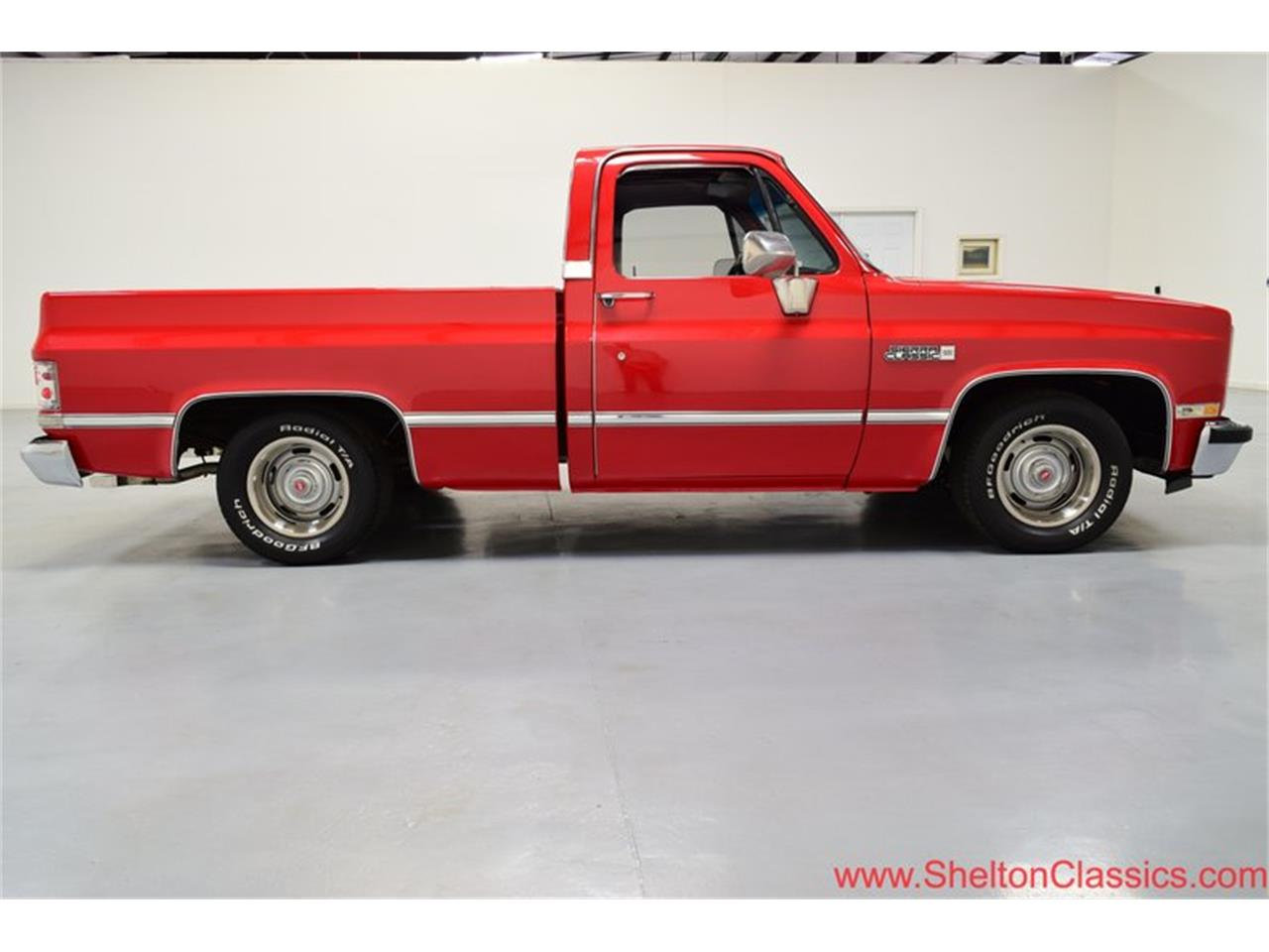 Large Picture of 1985 Sierra Offered by Shelton Classics & Performance - PKKB