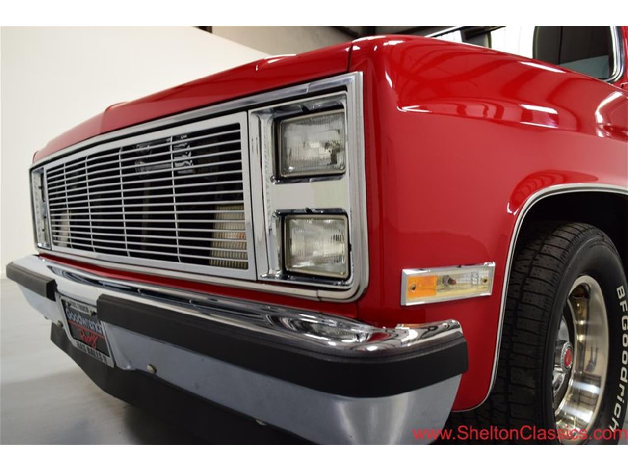 Large Picture of '85 GMC Sierra - $17,995.00 - PKKB