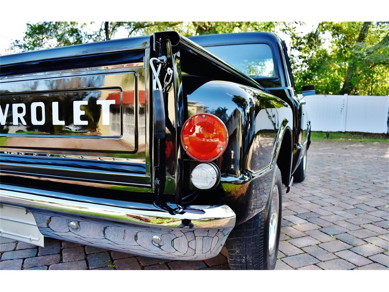Large Picture of Classic '69 Chevrolet Stepside - PKMT