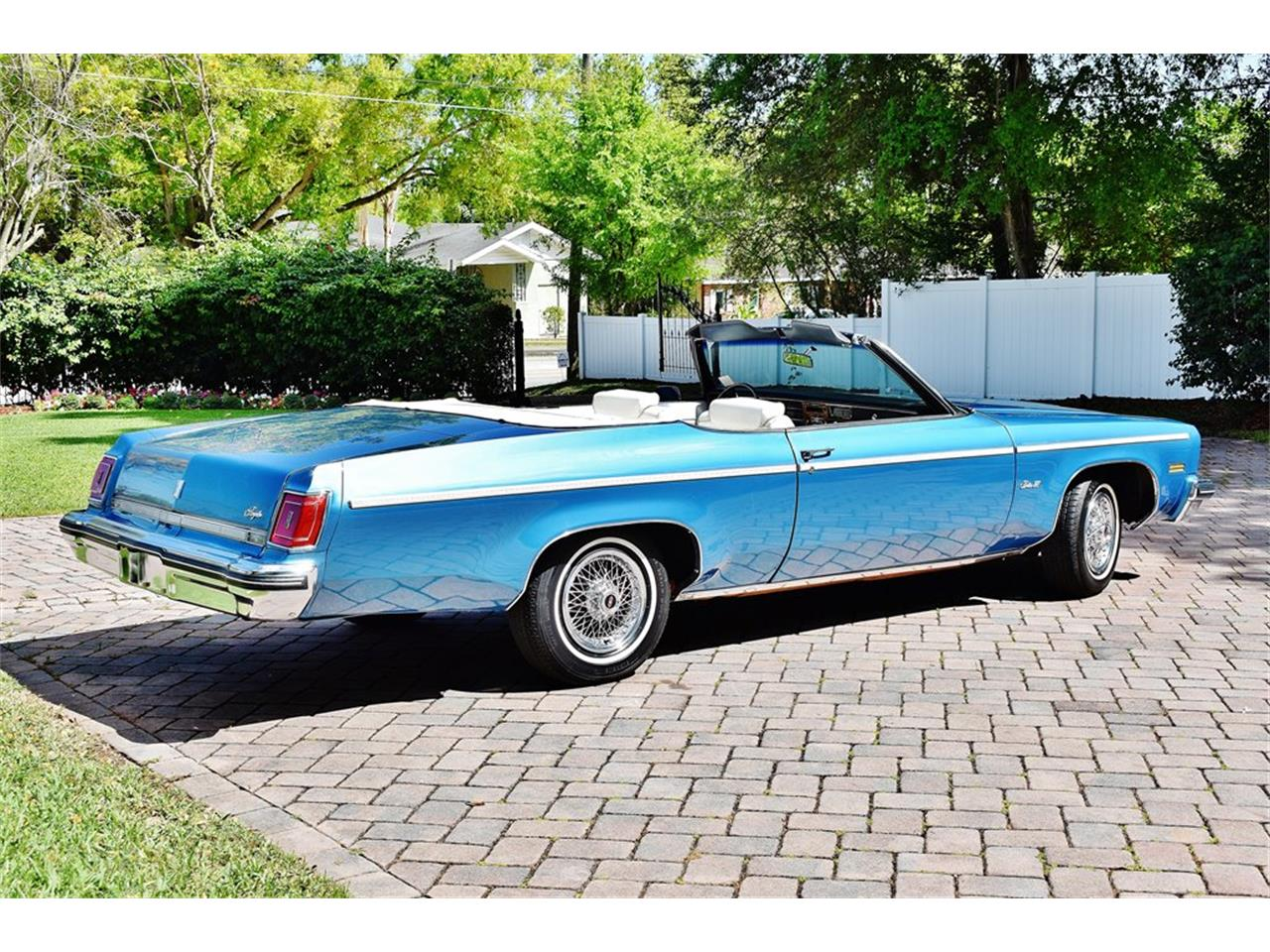 Large Picture of 1975 Oldsmobile Delta 88 located in Lakeland Florida Offered by Primo Classic International LLC - PKMX