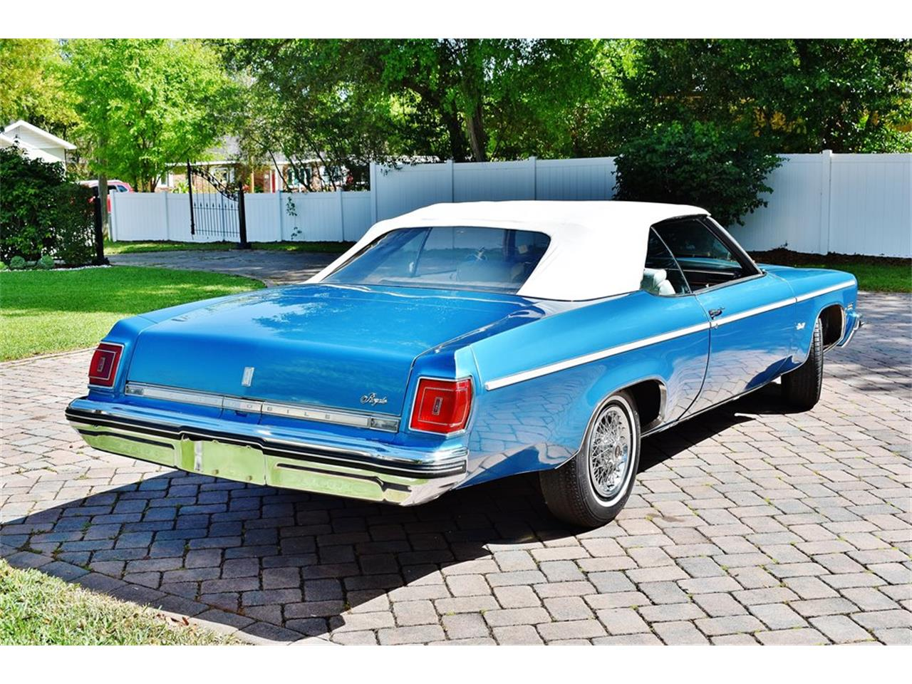 Large Picture of '75 Oldsmobile Delta 88 - PKMX