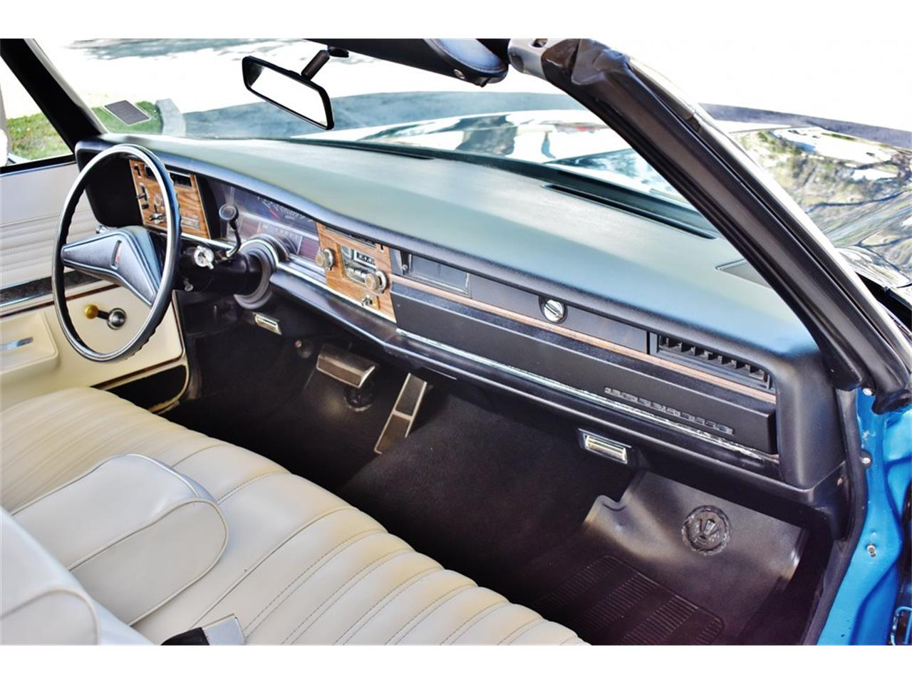 Large Picture of 1975 Oldsmobile Delta 88 located in Lakeland Florida - $24,900.00 - PKMX
