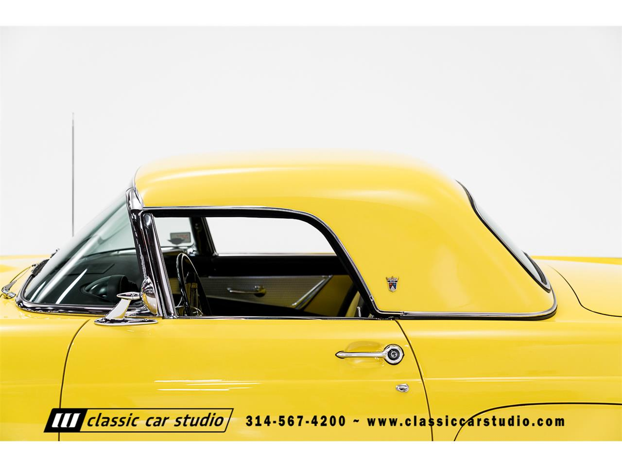 Large Picture of '55 Ford Thunderbird located in SAINT LOUIS Missouri Auction Vehicle - PKP1