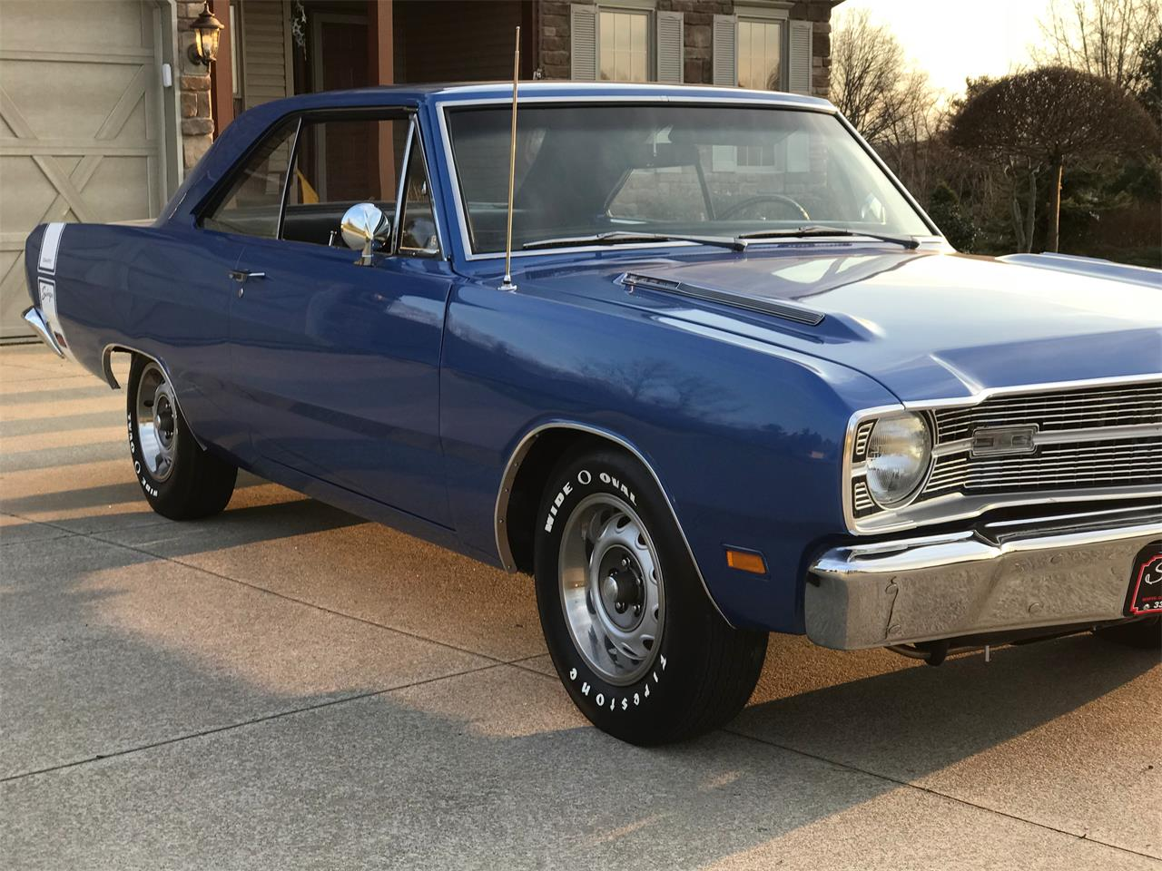 Large Picture of '69 Dart Swinger - PM4M