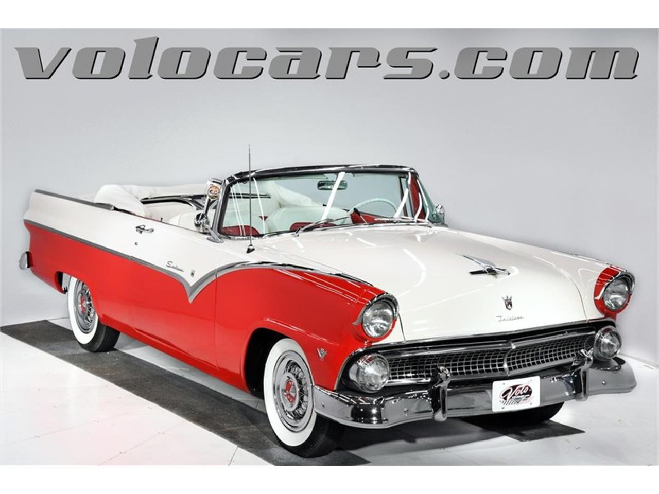 Large Picture of '55 Ford Fairlane Offered by Volo Auto Museum - PM6P