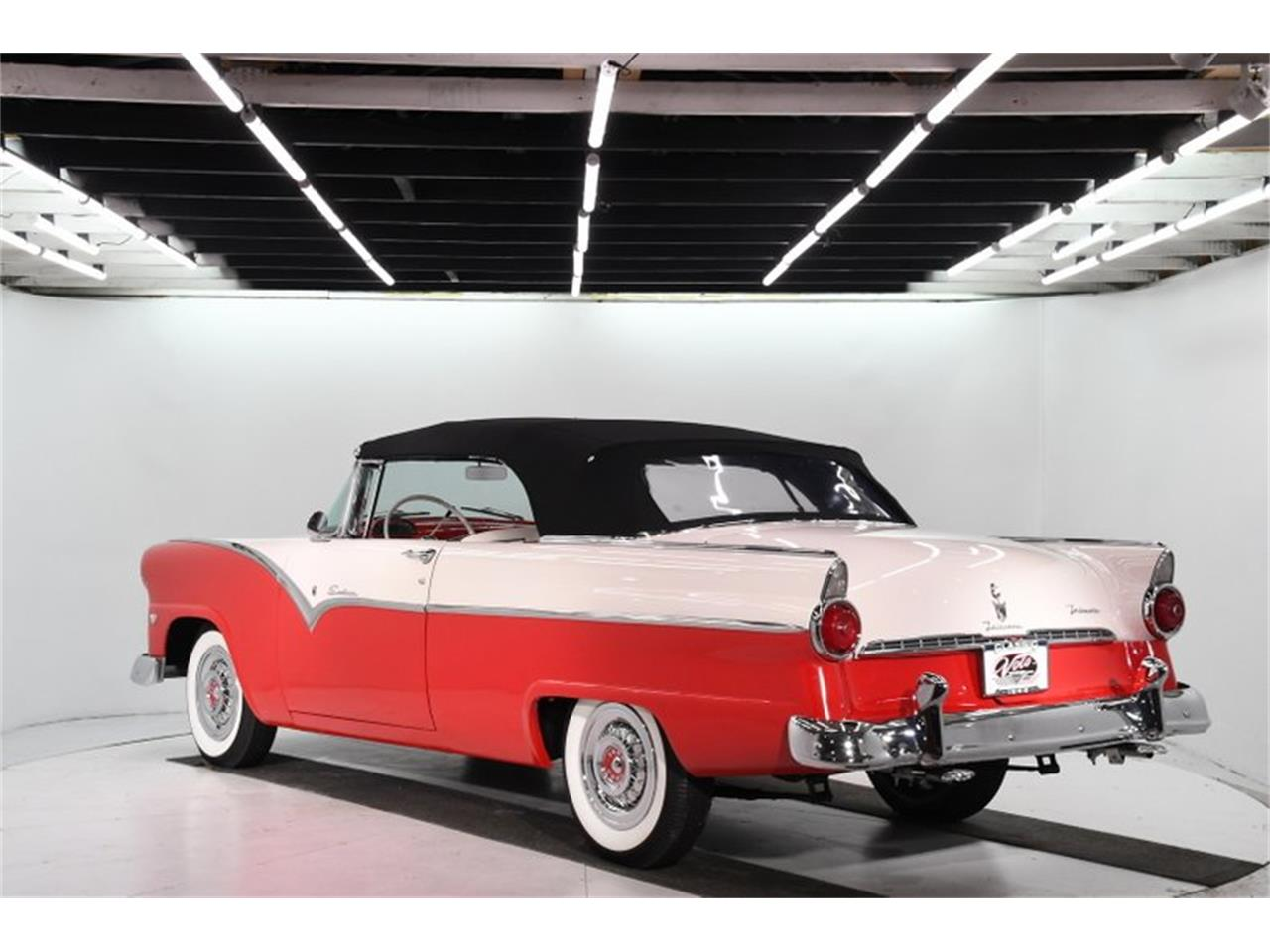 Large Picture of Classic '55 Fairlane located in Illinois - PM6P
