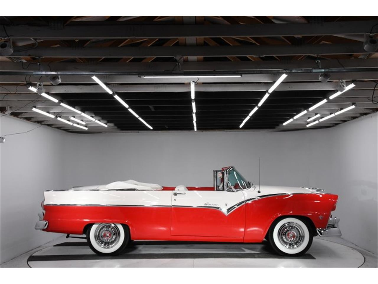 Large Picture of Classic 1955 Fairlane located in Illinois Offered by Volo Auto Museum - PM6P