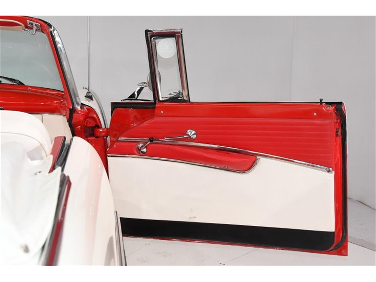 Large Picture of Classic '55 Fairlane Offered by Volo Auto Museum - PM6P