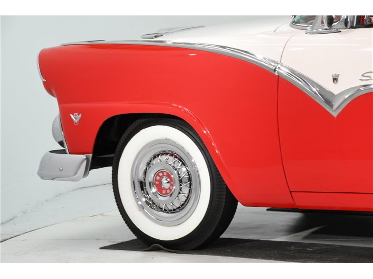 Large Picture of Classic 1955 Ford Fairlane located in Illinois Offered by Volo Auto Museum - PM6P