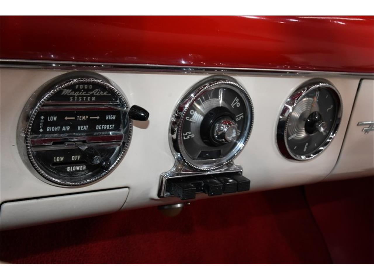 Large Picture of Classic 1955 Ford Fairlane Offered by Volo Auto Museum - PM6P