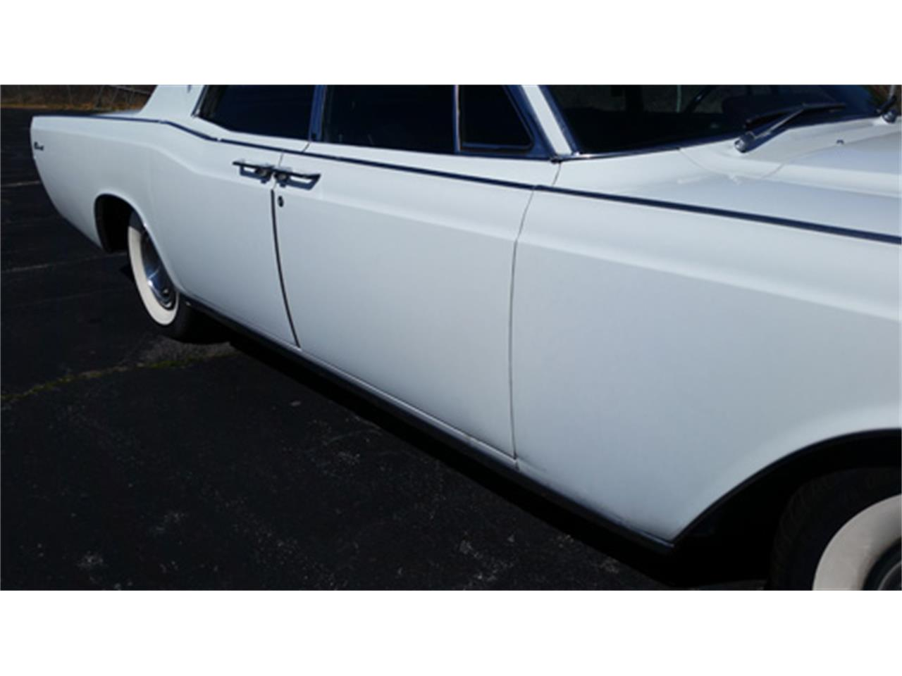 Large Picture of Classic 1967 Lincoln Continental - PMJL