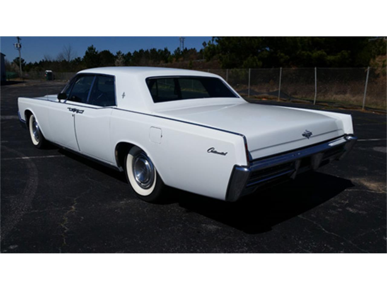 Large Picture of Classic 1967 Continental Offered by Dream Cars of the Carolinas - PMJL