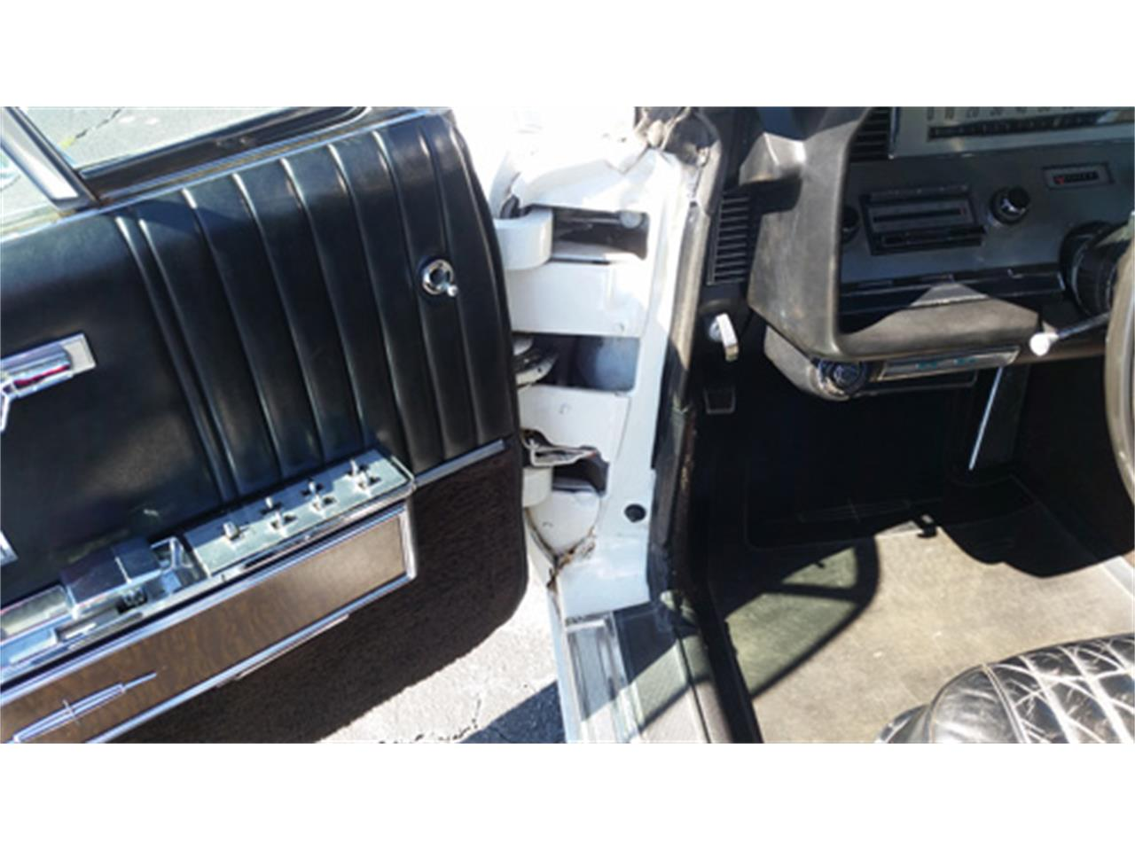 Large Picture of Classic 1967 Lincoln Continental - $15,988.00 Offered by Dream Cars of the Carolinas - PMJL
