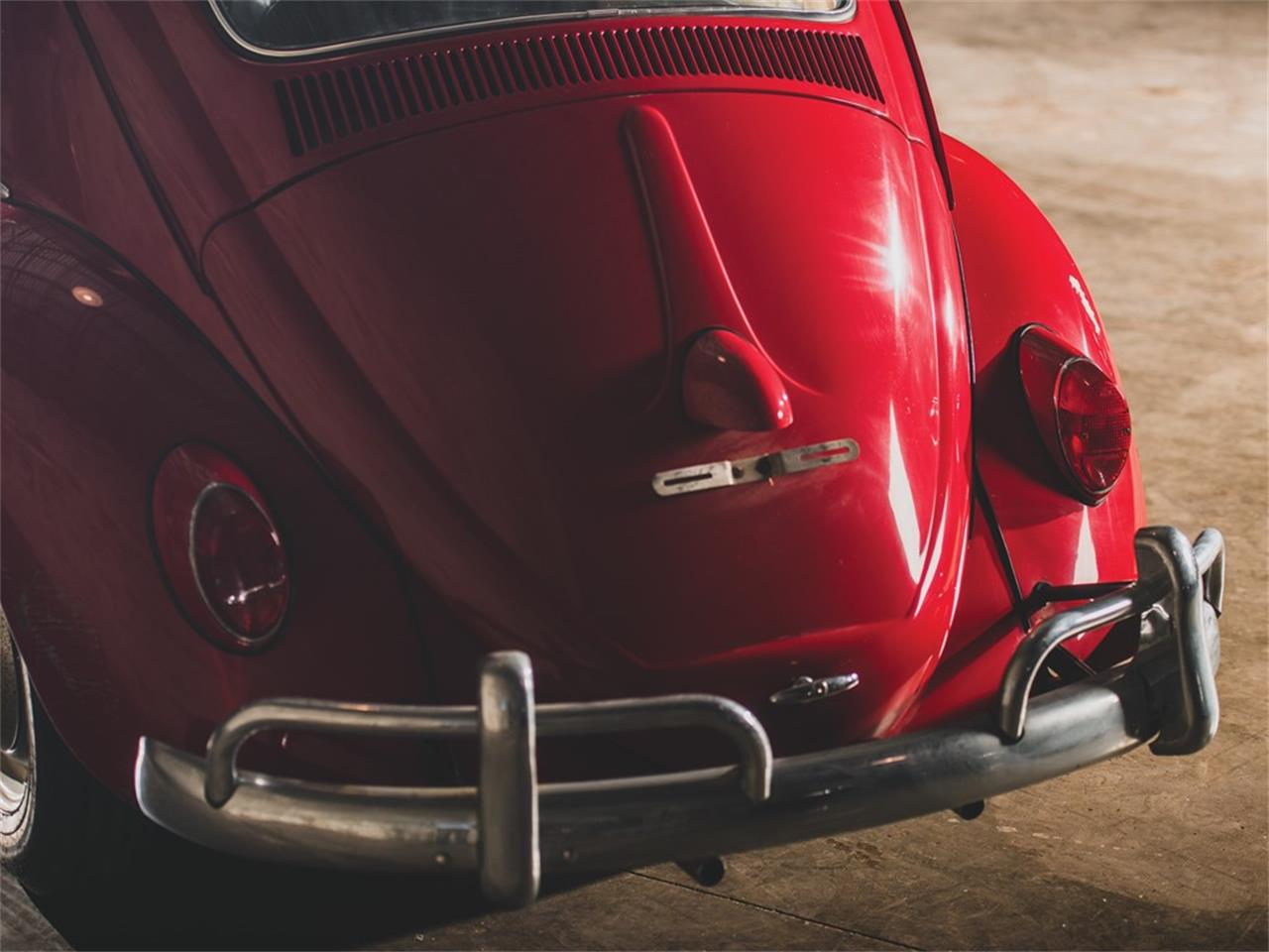Large Picture of Classic '62 Volkswagen Beetle Deluxe 'Sunroof' Sedan Auction Vehicle Offered by RM Sotheby's - PMN5