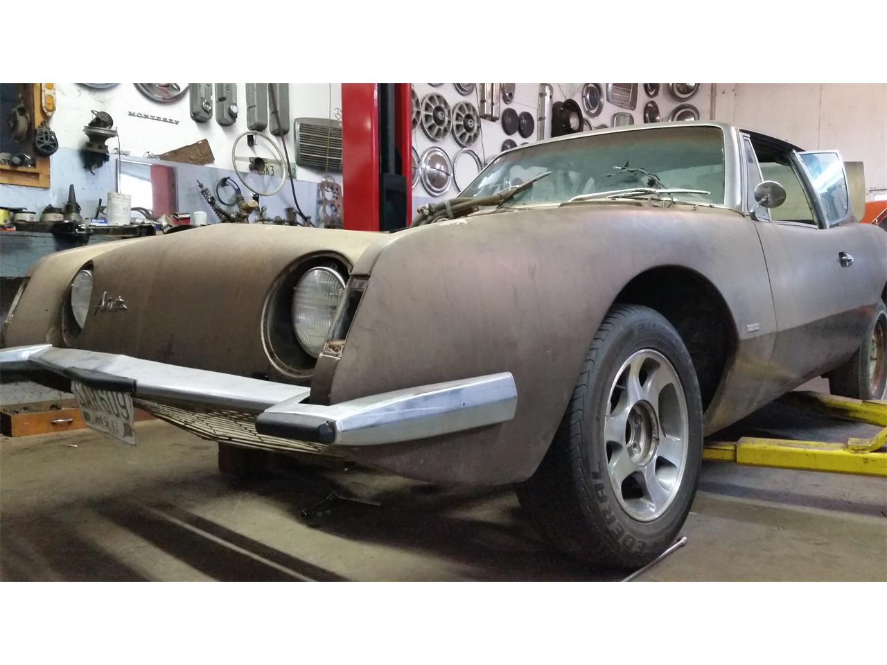 Large Picture of '63 Avanti R2 - PI98