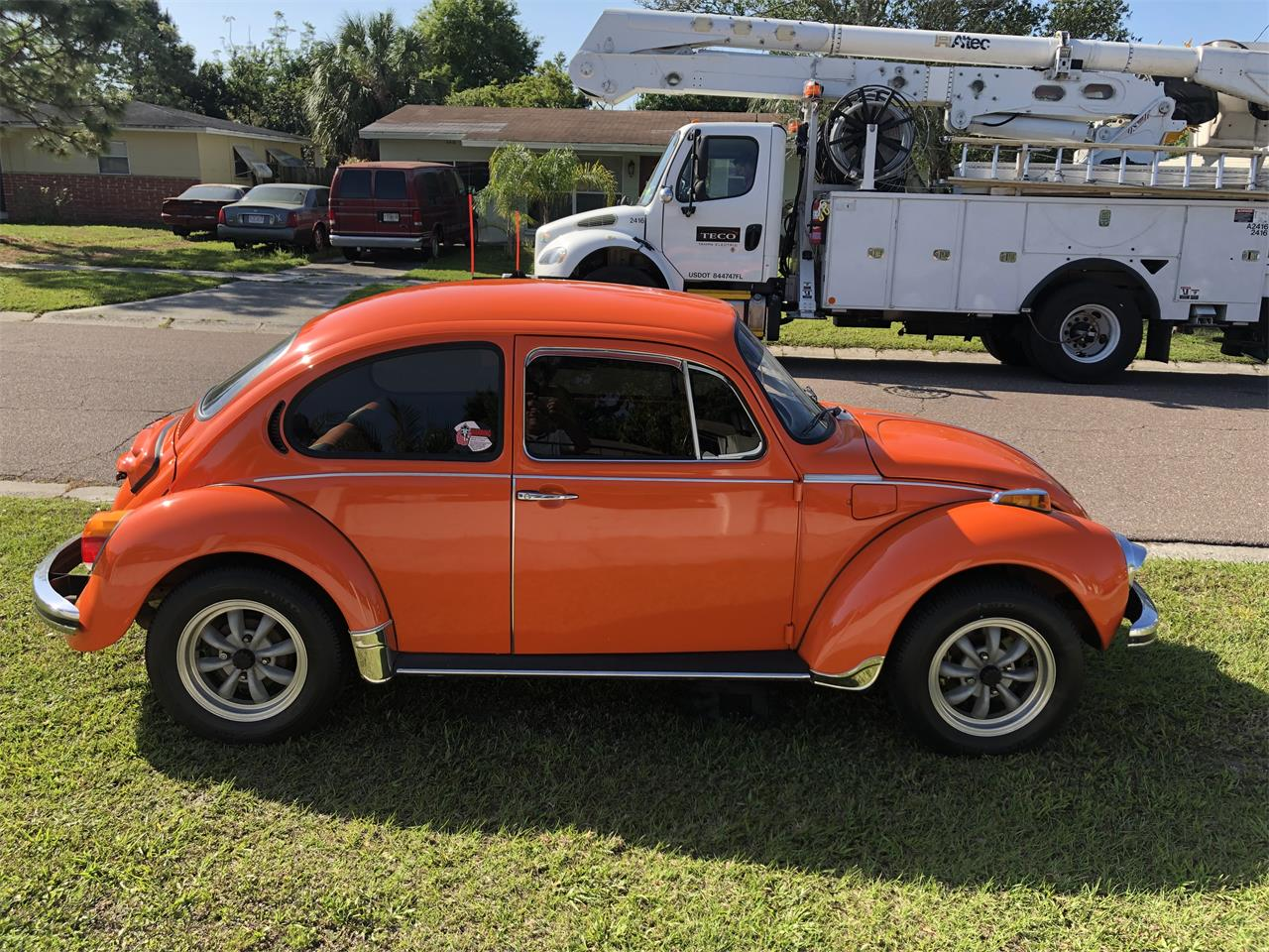 Large Picture of Classic '73 Volkswagen Super Beetle located in Tampa Florida Offered by a Private Seller - PMXE