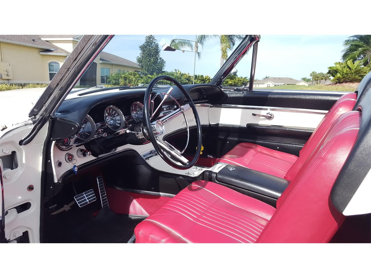 Large Picture of 1963 Ford Thunderbird located in Florida - PNEF