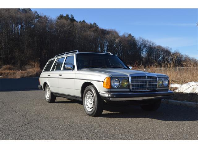 Picture of '84 Mercedes-Benz 300TD - $18,900.00 Offered by a Private Seller - PNEQ