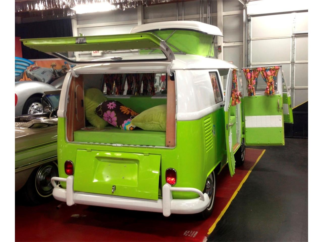 Large Picture of Classic 1967 Volkswagen Westfalia Camper Auction Vehicle - PNJT