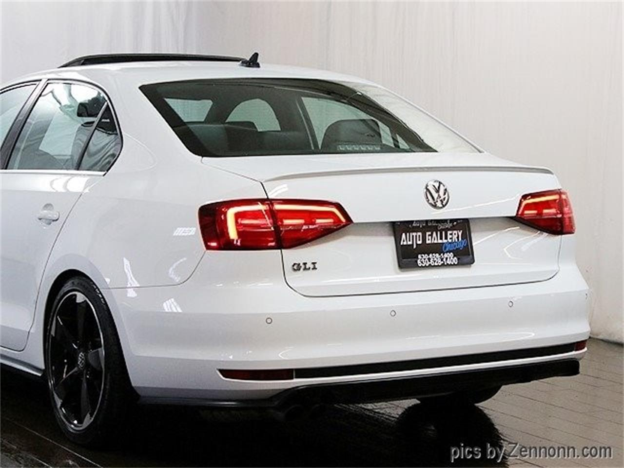 Large Picture of '16 Volkswagen Jetta - $16,990.00 Offered by Auto Gallery Chicago - PNNN