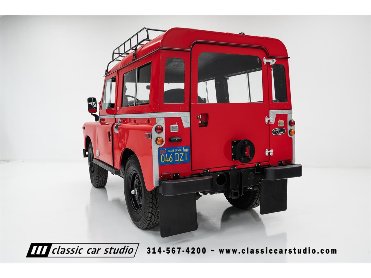 Large Picture of '71 Defender - PNQC
