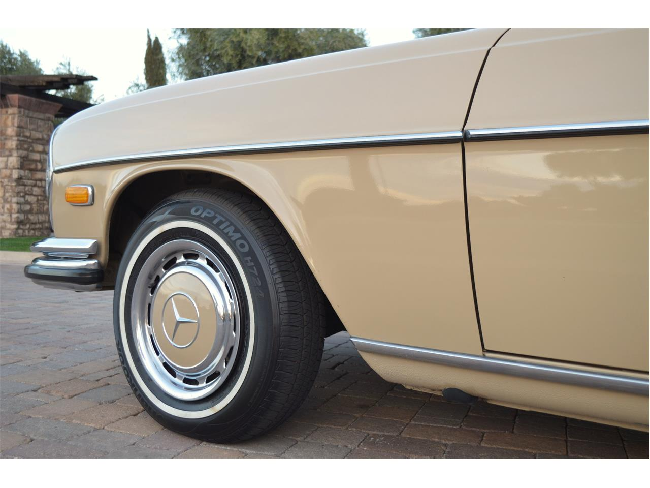 Large Picture of Classic '73 Mercedes-Benz 280SEL Offered by European Motor Studio - PNR0