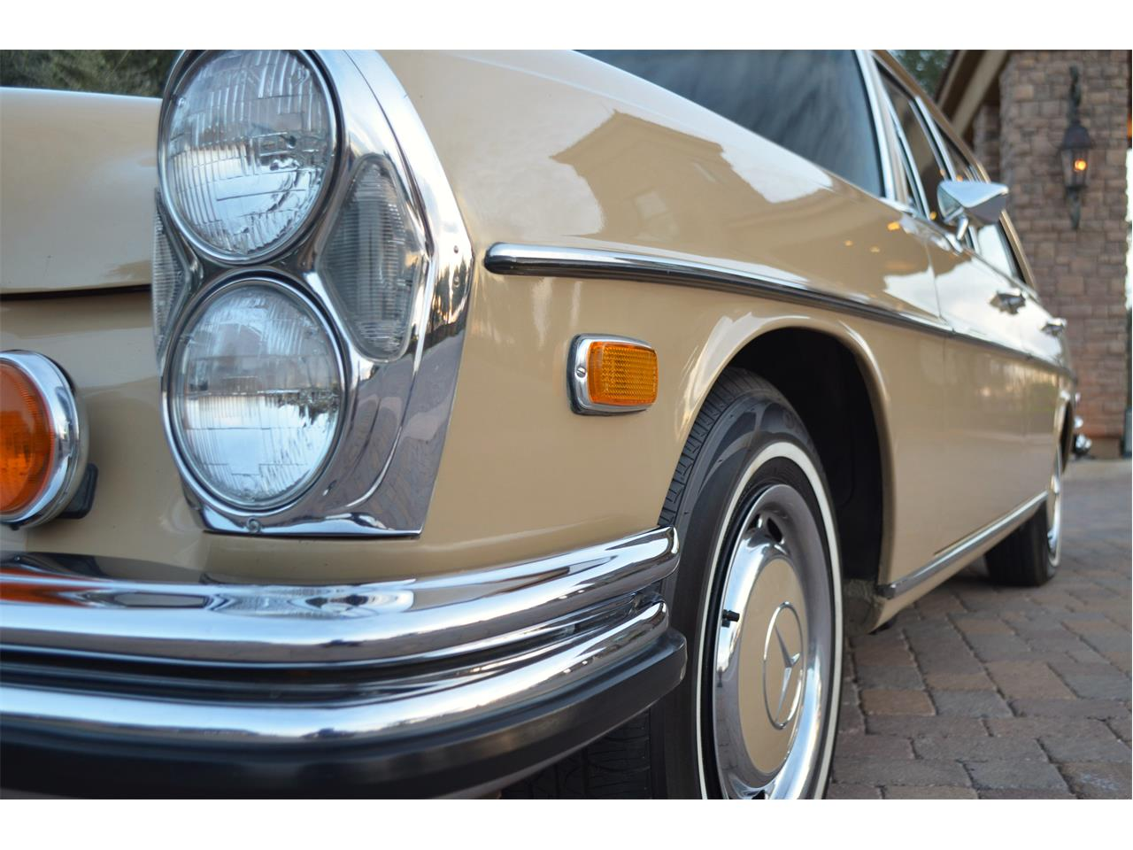 Large Picture of Classic 1973 Mercedes-Benz 280SEL - $23,995.00 Offered by European Motor Studio - PNR0