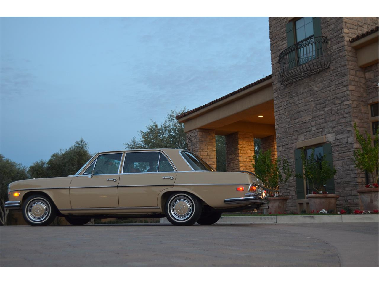 Large Picture of Classic 1973 Mercedes-Benz 280SEL - PNR0