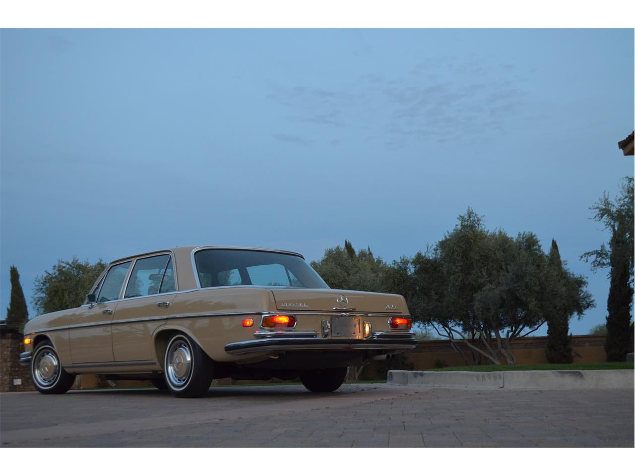 Large Picture of 1973 Mercedes-Benz 280SEL located in Arizona - PNR0