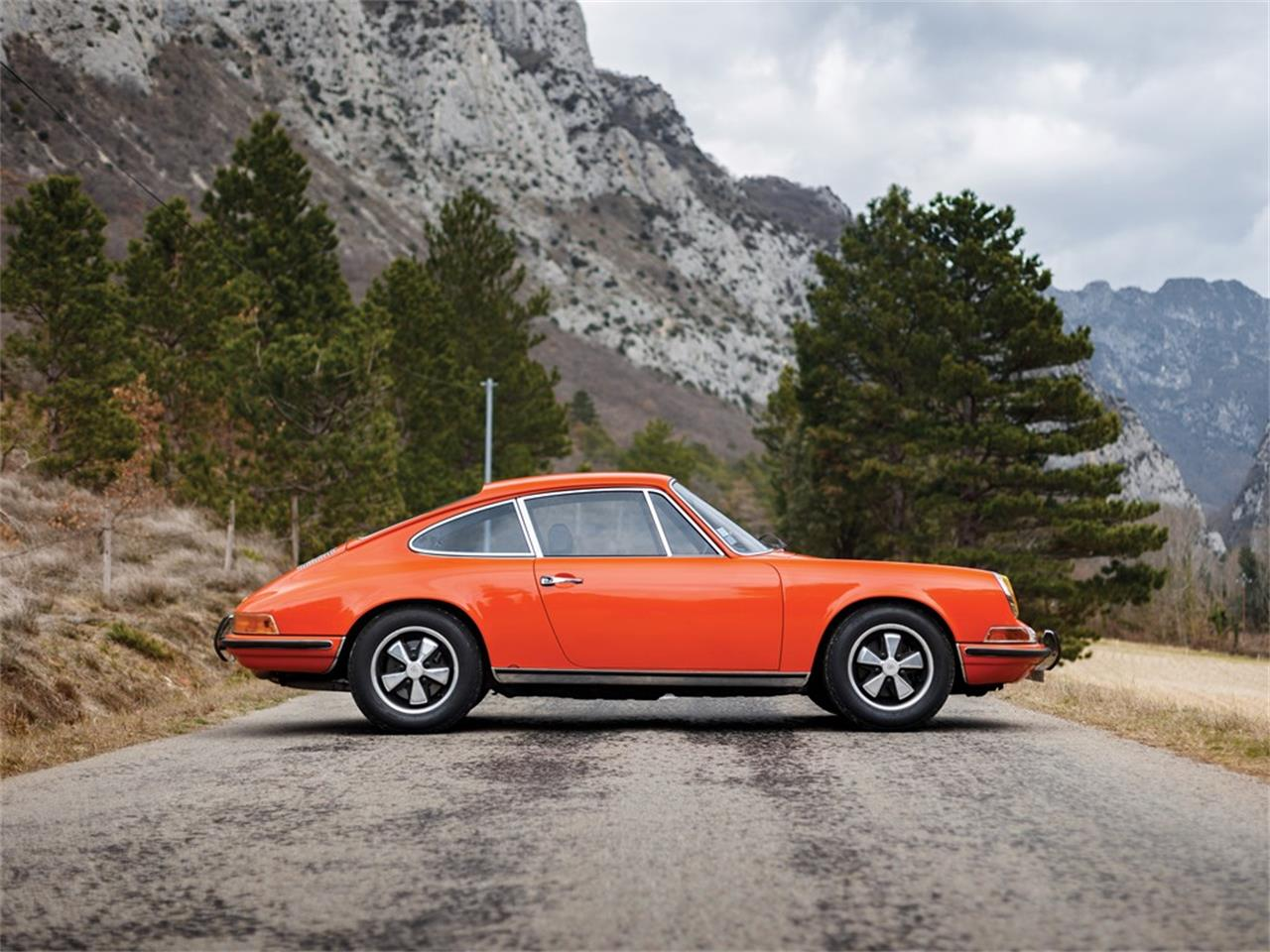 Large Picture of 1969 Porsche 911 located in  Auction Vehicle Offered by RM Sotheby's - PO35