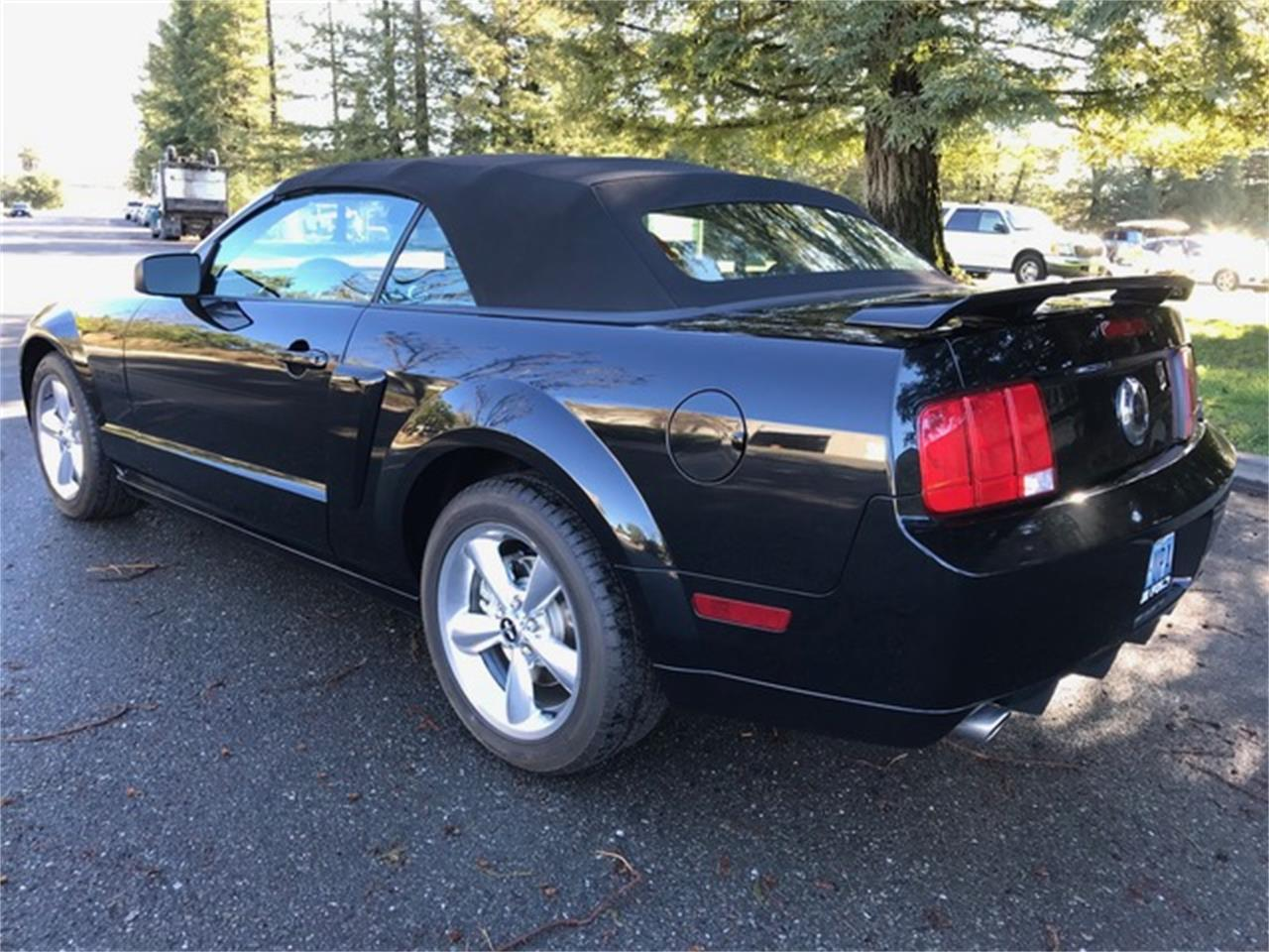 Large Picture of '07 Mustang GT/CS (California Special) - PIT2