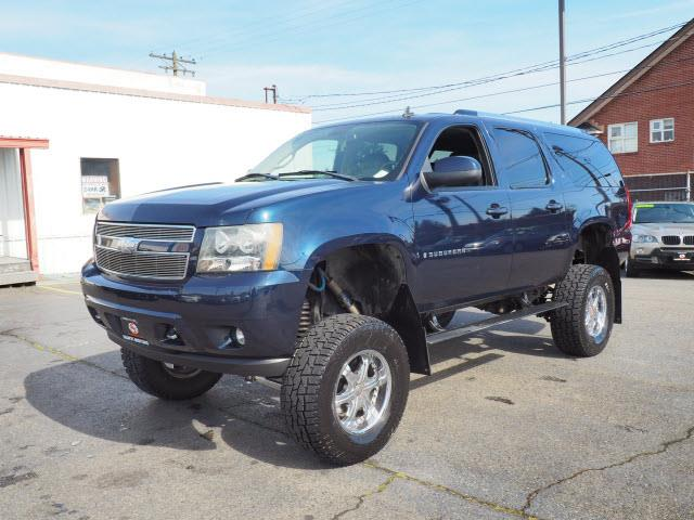 Picture of '07 Chevrolet Suburban - $14,990.00 Offered by  - PO8M