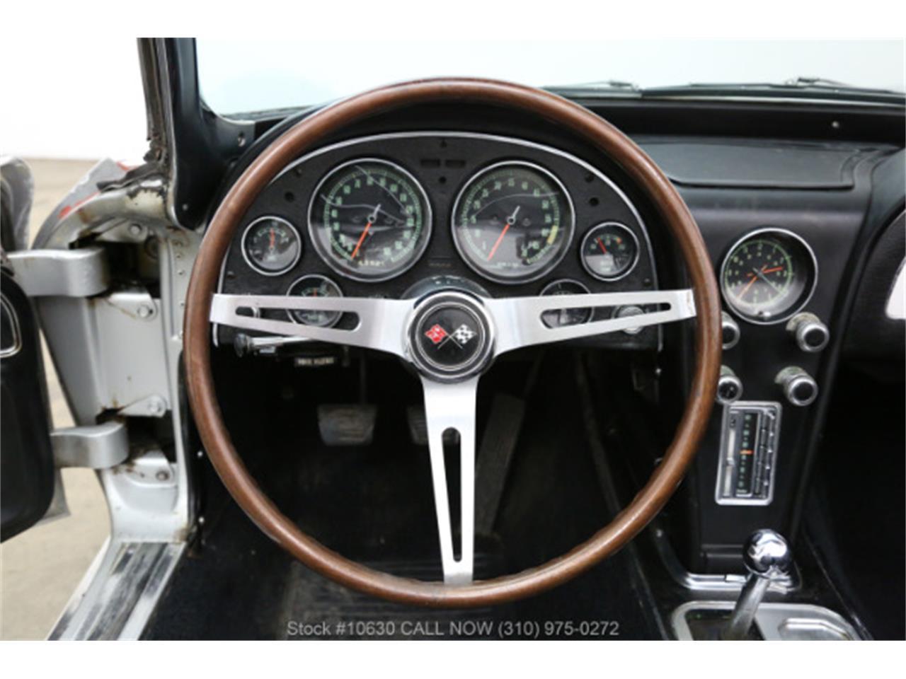 Large Picture of '67 Corvette - POJU