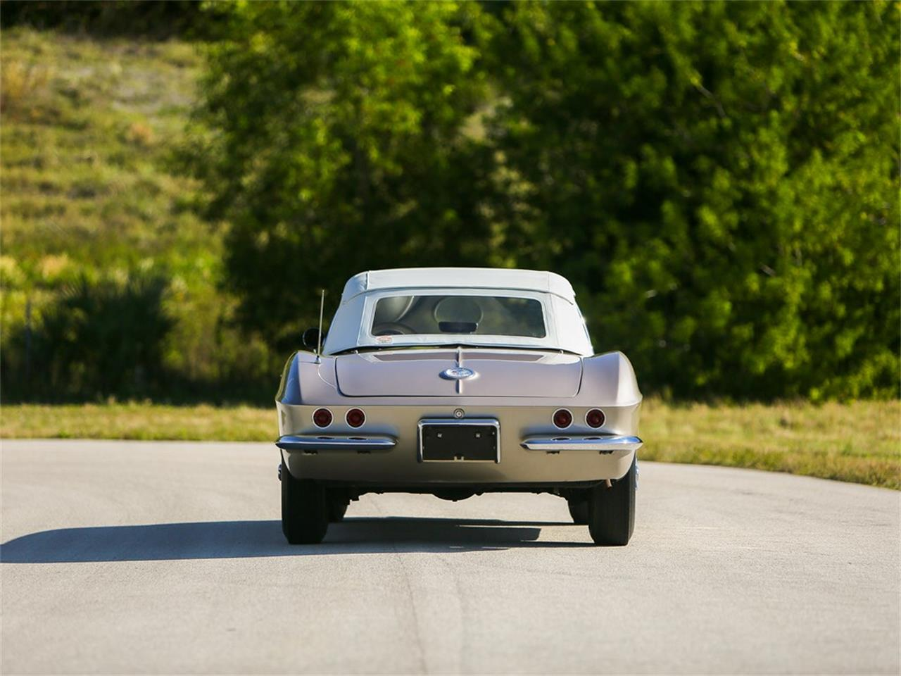 Large Picture of '61 Chevrolet Corvette located in Fort Lauderdale Florida Auction Vehicle - PIVI