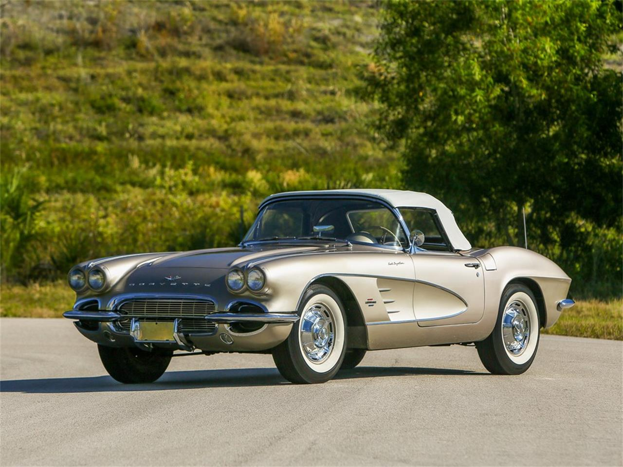 Large Picture of '61 Corvette located in Florida Auction Vehicle Offered by RM Sotheby's - PIVI