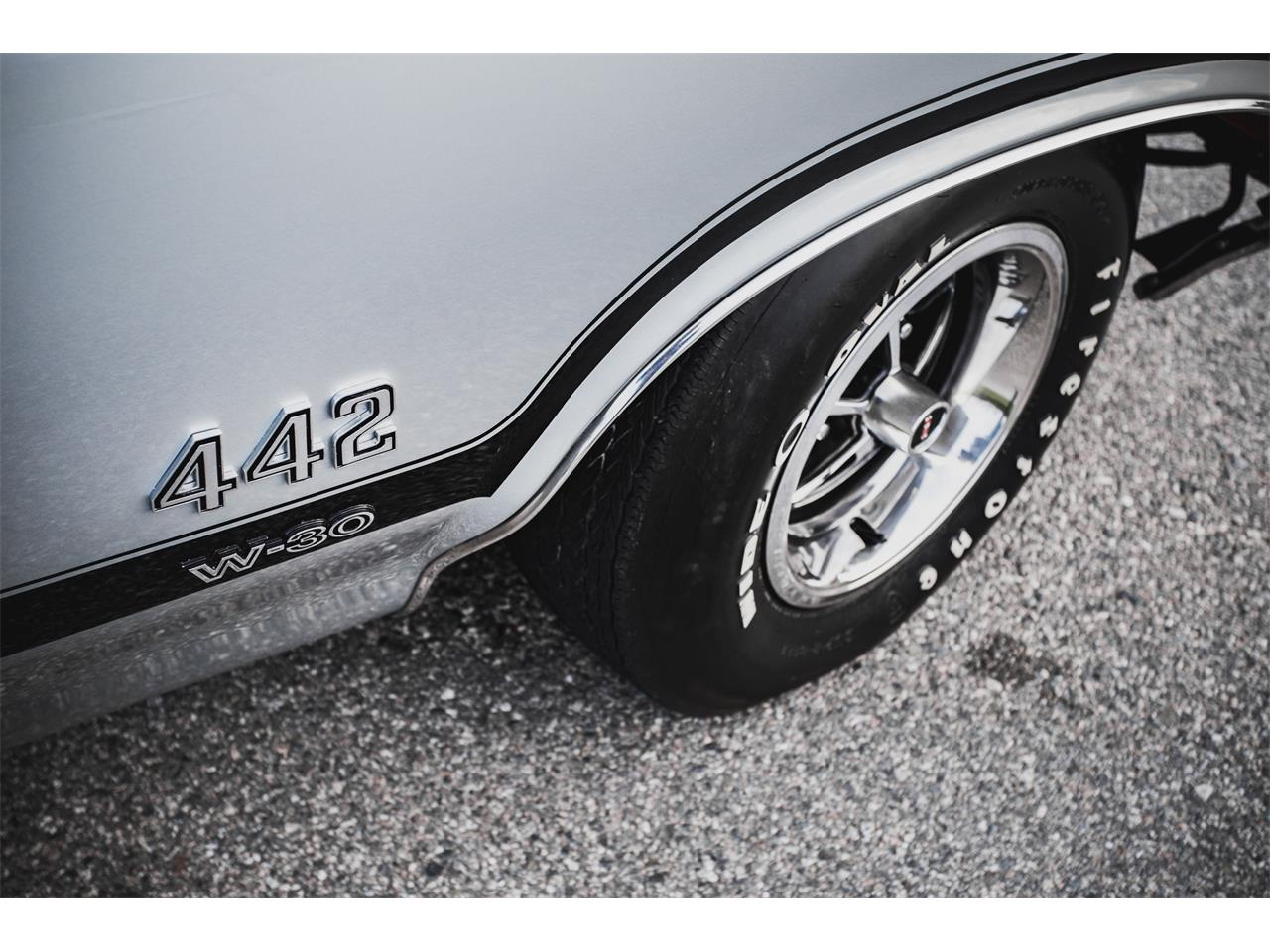 Large Picture of '70 442 W-30 located in Irvine California Offered by Radwan Classic Cars - PPFT