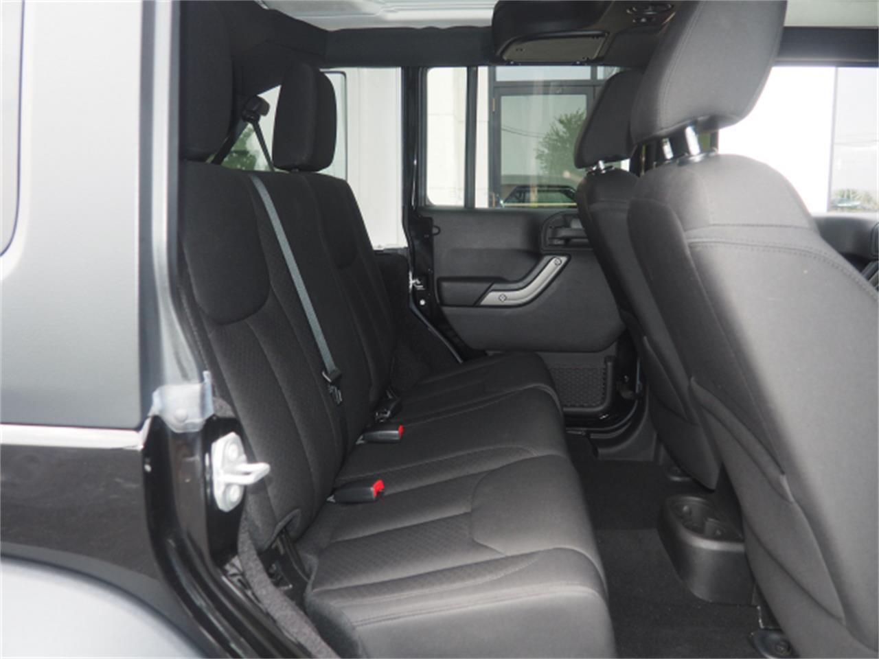 Large Picture of '15 Jeep Wrangler - $27,999.00 - PPKT