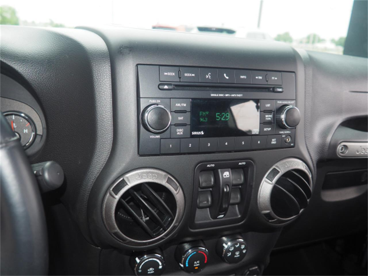 Large Picture of 2015 Jeep Wrangler located in Marysville Ohio Offered by Nelson Automotive, Ltd. - PPKT