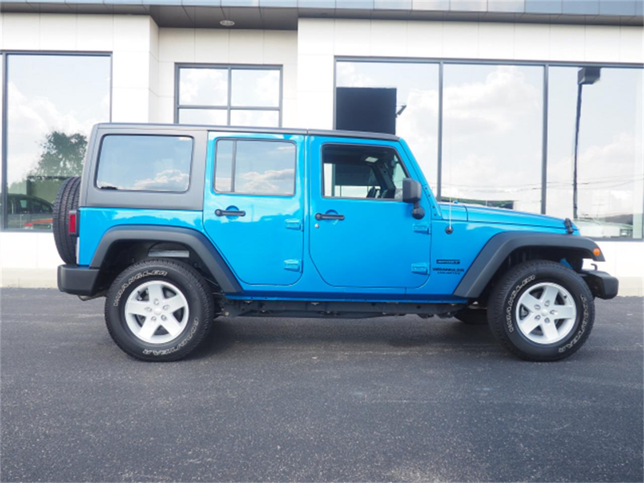 Large Picture of 2015 Wrangler - $27,999.00 Offered by Nelson Automotive, Ltd. - PPKW