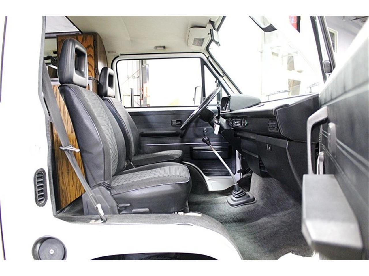 Large Picture of 1983 Volkswagen Van located in Michigan - PPV8
