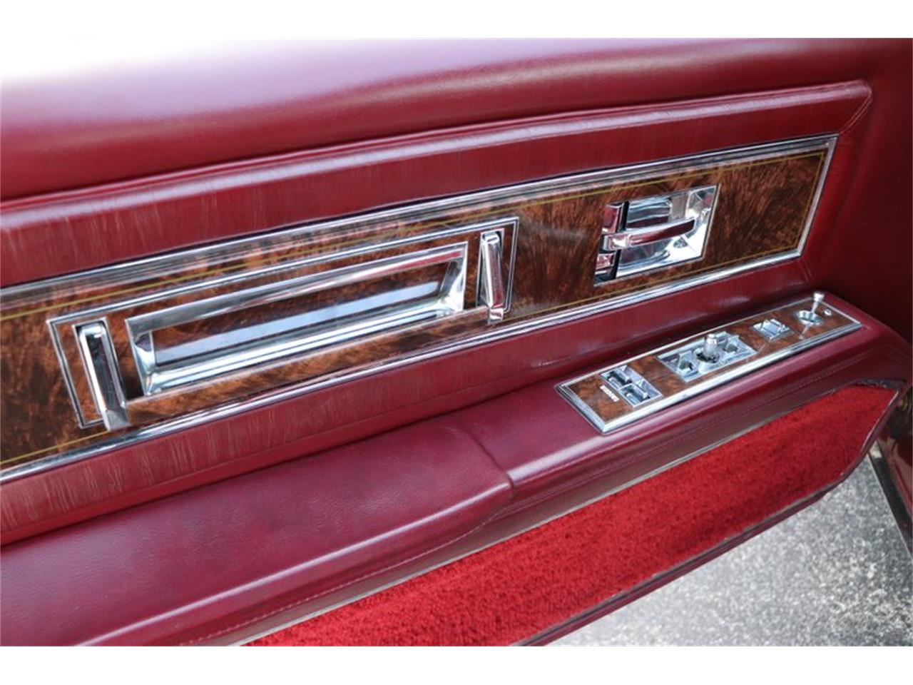 Large Picture of 1982 Oldsmobile Toronado - $8,900.00 Offered by Midwest Car Exchange - PPX3