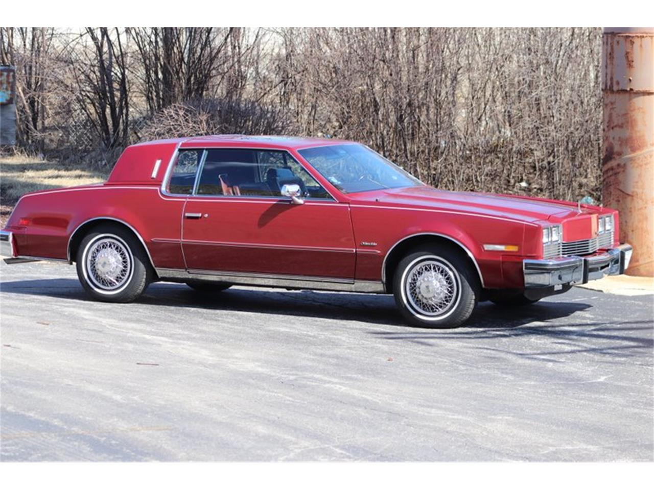 Large Picture of 1982 Toronado located in Alsip Illinois - PPX3