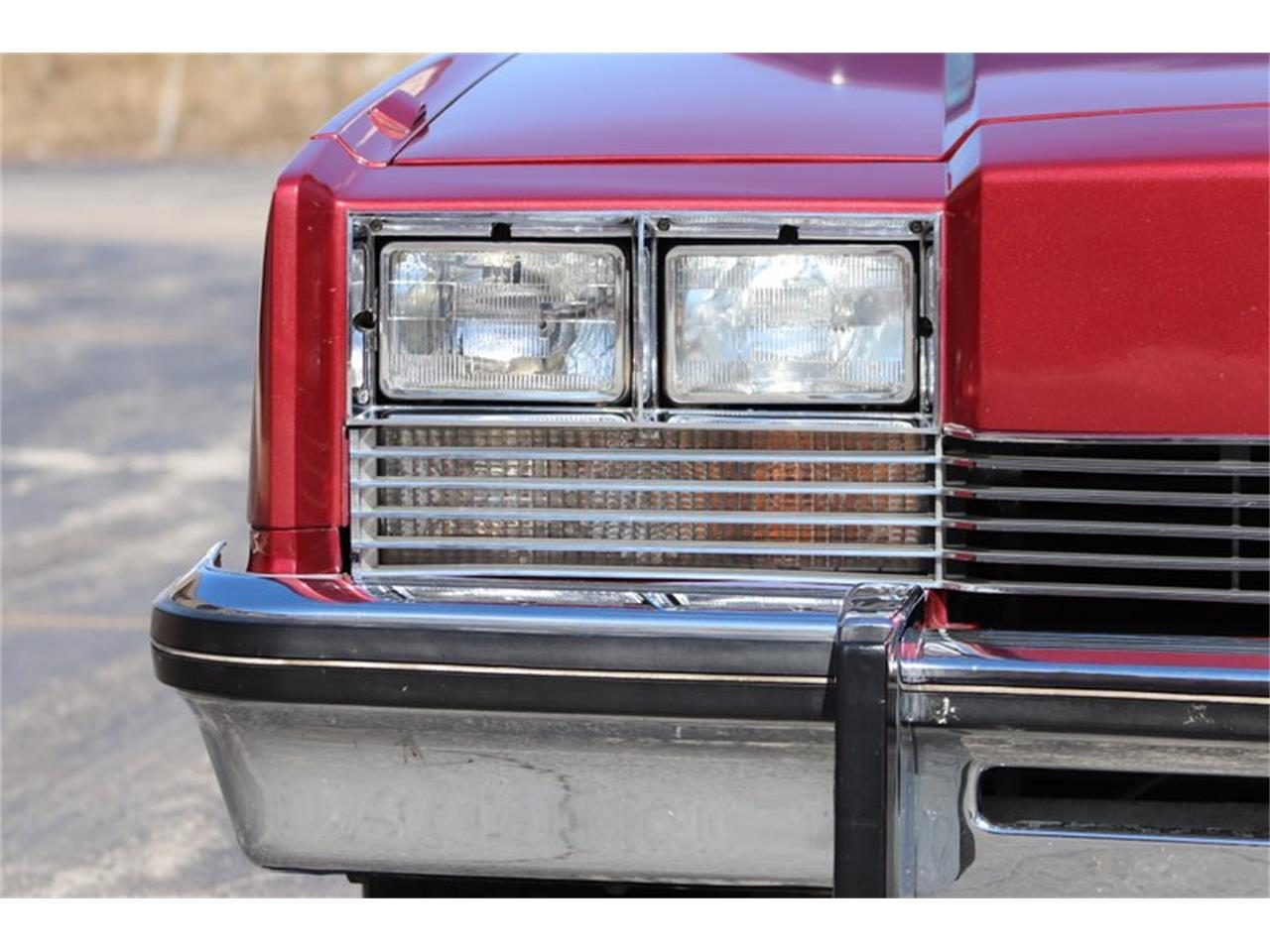 Large Picture of '82 Oldsmobile Toronado located in Illinois - $8,900.00 Offered by Midwest Car Exchange - PPX3