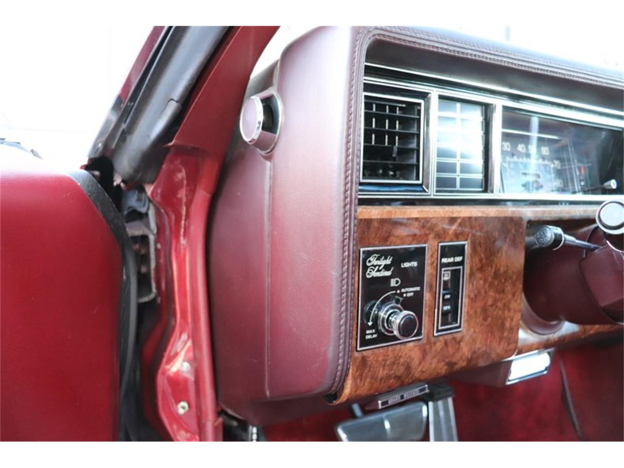 Large Picture of 1982 Oldsmobile Toronado Offered by Midwest Car Exchange - PPX3