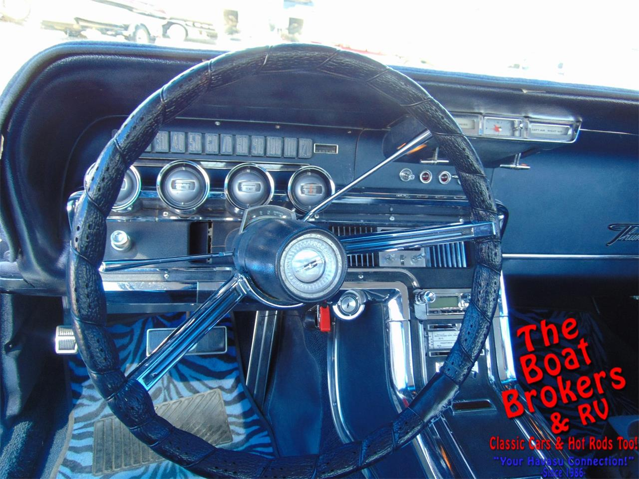 Large Picture of 1966 Ford Thunderbird - PQRZ