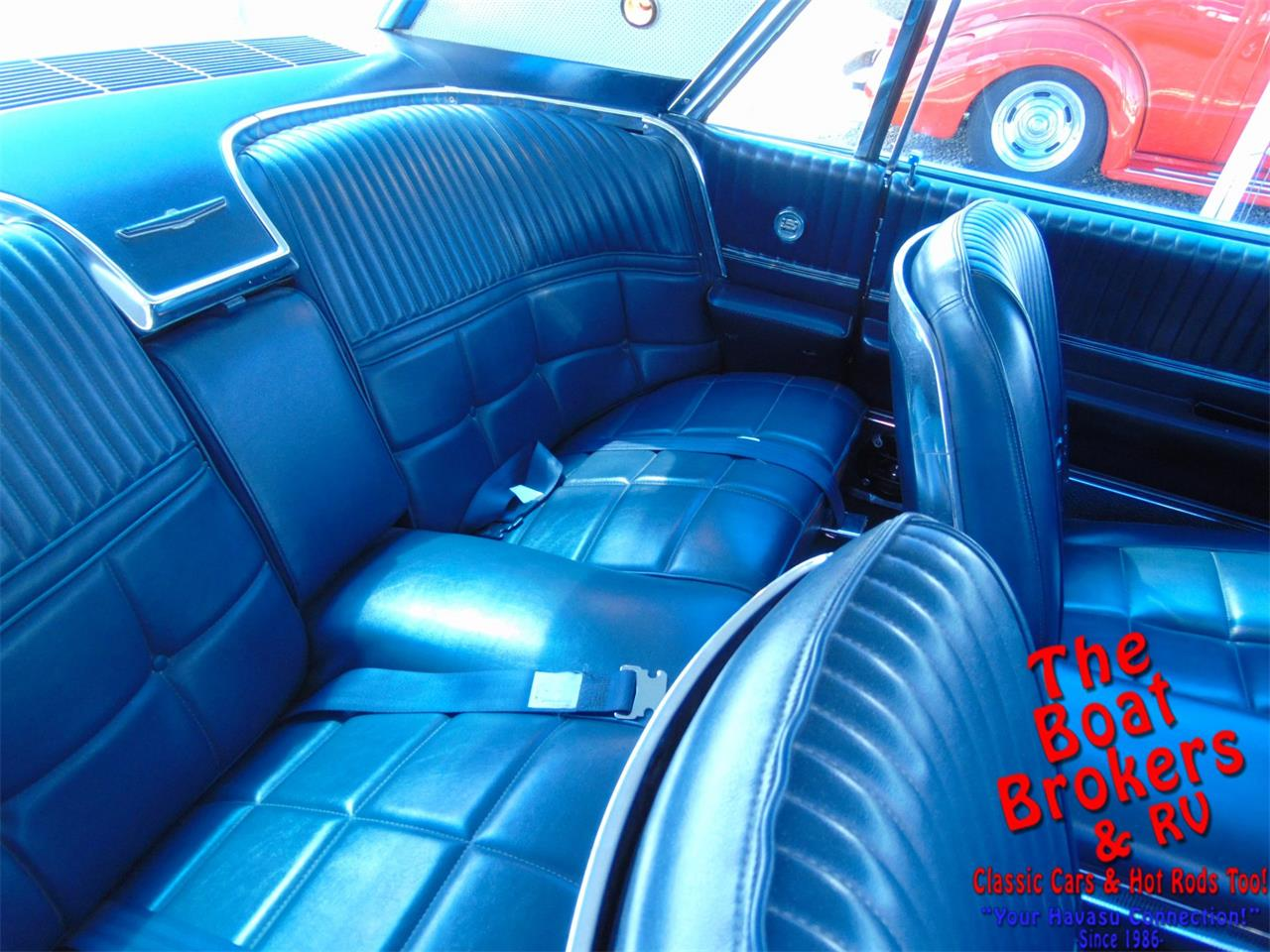 Large Picture of '66 Thunderbird - PQRZ