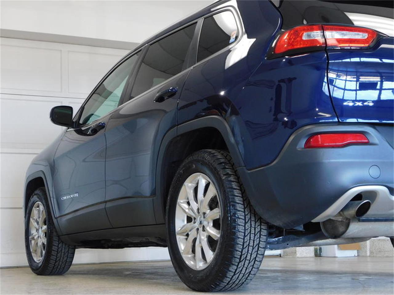 Large Picture of '14 Jeep Cherokee - $17,538.00 Offered by Superior Auto Sales - PQXB