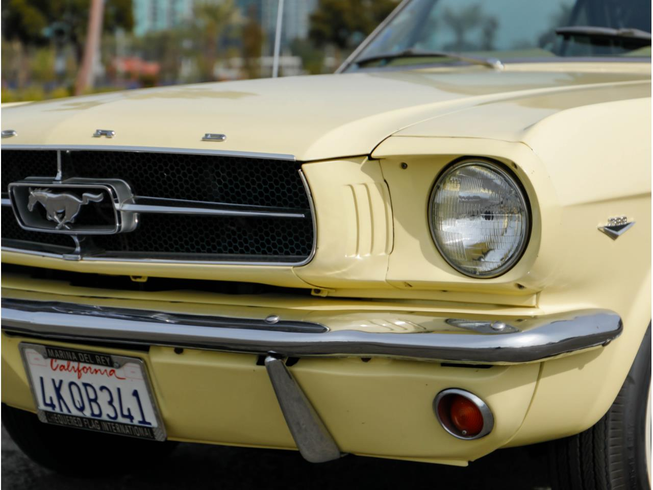 Large Picture of Classic 1965 Ford Mustang - PR18