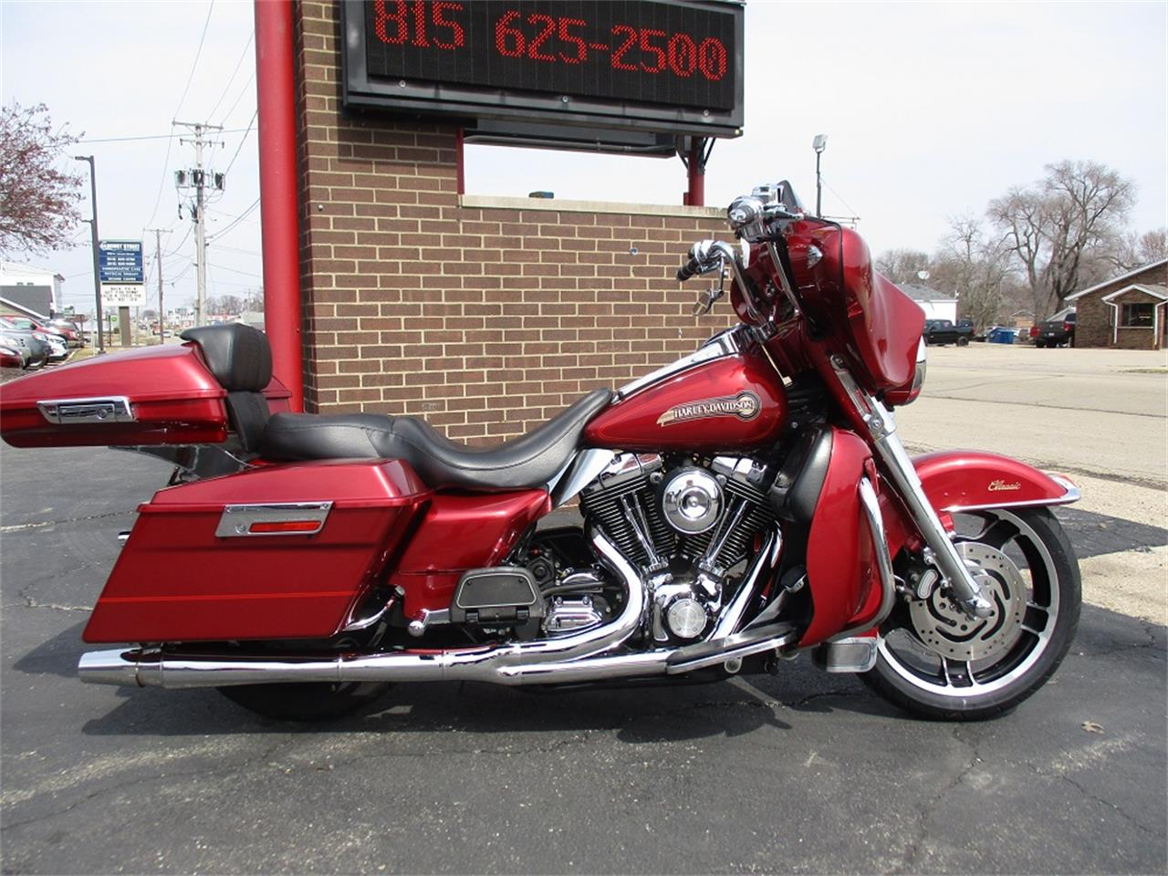 Large Picture of 2005 Electra Glide located in Illinois Offered by Sterling Motors Inc. - PR89